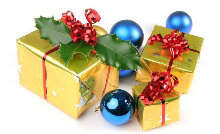 Distribution des jouets de Noël et des colis pour nos jeunes et nos anciens