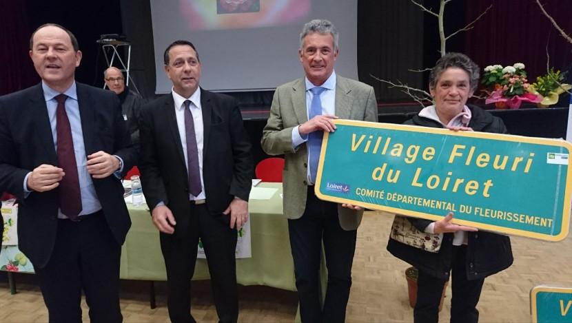 Remise officielle du label village fleuri du Loiret
