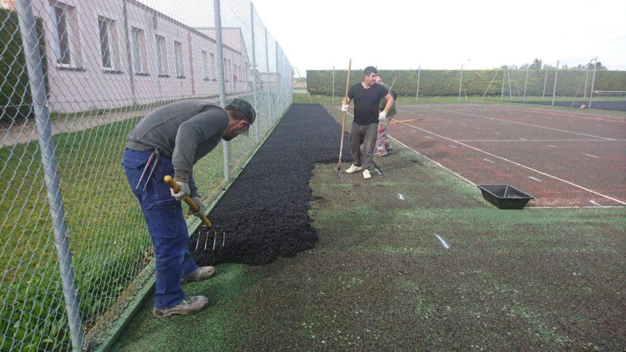 Réfection des terrains de tennis commencée